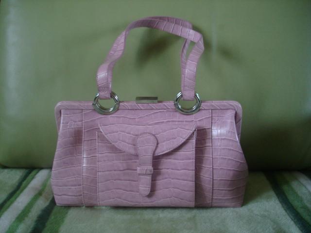"""...мысли, итальянское качество и ... Женские сумки предприятия  """"Маттиоли..."""