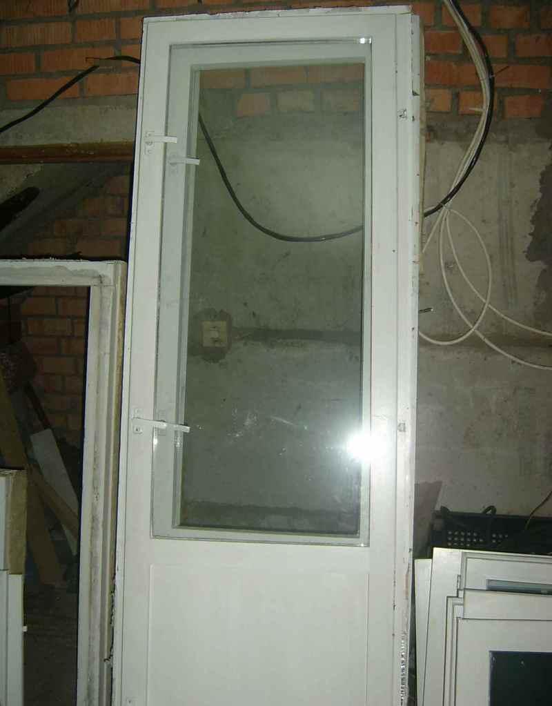 Дверь на балкон стеклопакет фото..