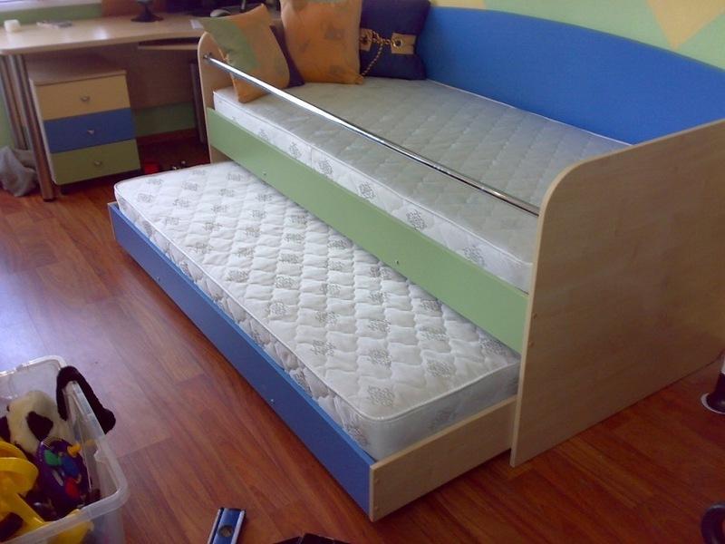 Сделать кровать с выдвижной кроватью своими руками 29