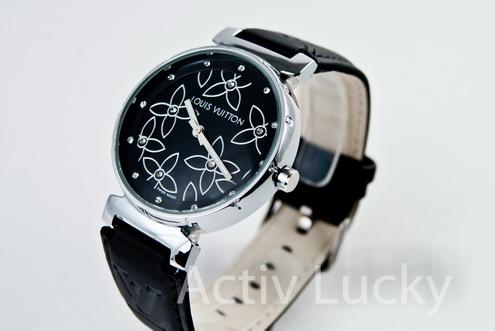 Копия женских швейцарских часов Louis Vuitton Механизм: Японский Модель механизма: Miyota Тип механизма: кварцевый