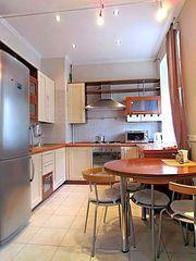 продам 2-комнатную квартиру в центреМинска с отличным евроремонтом