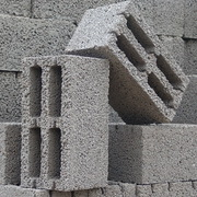 Блоки стеновые (керамзитобетонные,  газосиликатные).