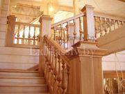 Деревянная лестница с площадкой из сосны