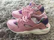 Женские кроссовки Nike Air Huarache Aloha Pack Pink