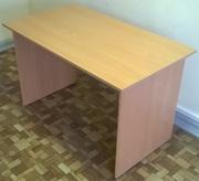 Стол прямой для офиса и дома прямой