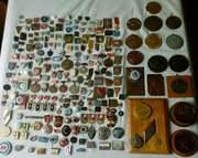 Значки,  настольные медали для себя в коллекцию куплю дорого