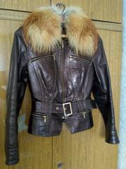 кожаная куртка с мехом лисы 42 размер
