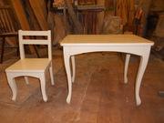 Детский стул и стол из дерева